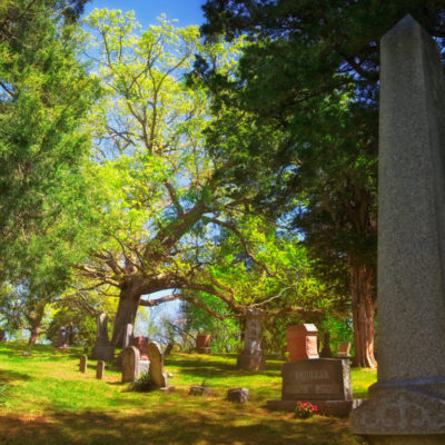 Haunted Graveyards: The ghosts of Williamsburg, Illinois and Ridge Cemetery