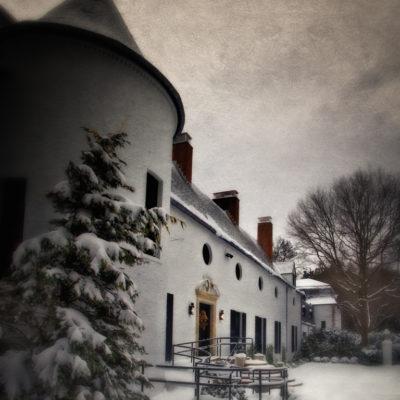 Chelsea Manor, East Norwich, NY: A Long Island Christmas Carol