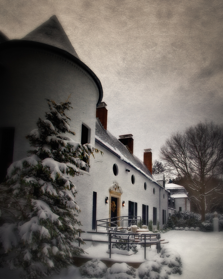 Chelsea Manor, East Norwich, NY: A Long Island Christmas Carol