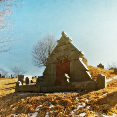 Newbury Massachusetts and the Pierce Tomb: Dancing with the dead on Old Burial Hill