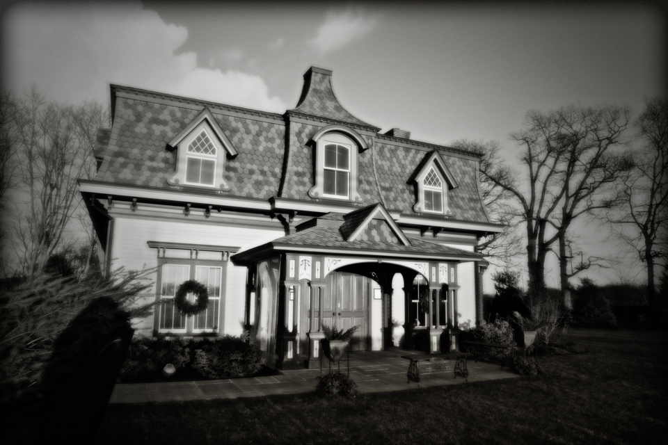 The Jamesport Manor Inn: Gourmet dinner and spirits