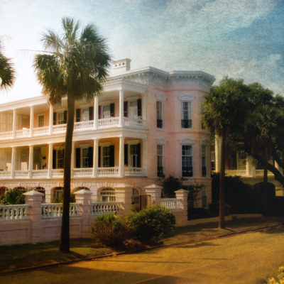In old Charleston, the historic and haunted are around every corner