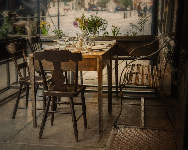 Rustic decor outdoors at Il Buco
