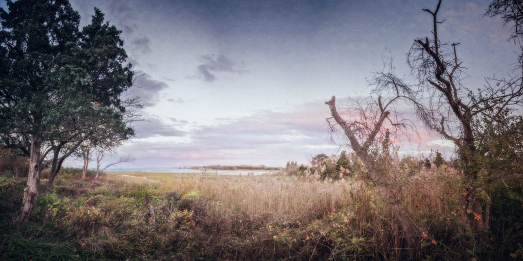 Robert the Scot is g ghost, believed to haunt the beaches to the east of the great marsh which skirts Barnstable village